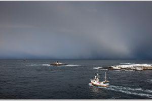 0813 Sjark ved Atlanterhavsvegen