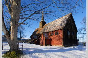 0810 Kvernes stavkirke